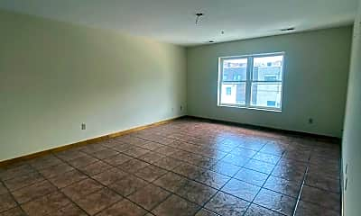 Living Room, 722 Sip St, 1