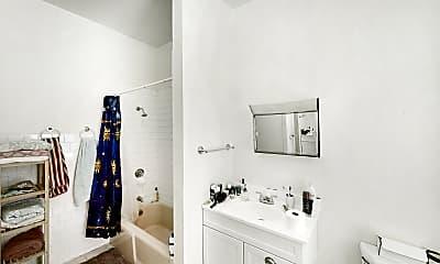 Bathroom, 172 Marlborough Street, #1R, 1