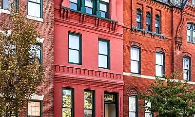 Building, 1724 St Paul St, 1
