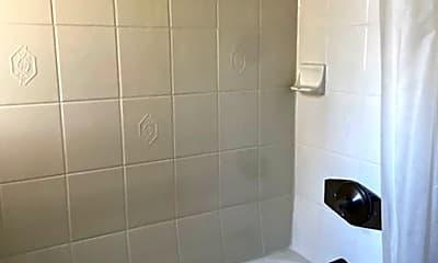 Bathroom, 1018 W 57th St, 2