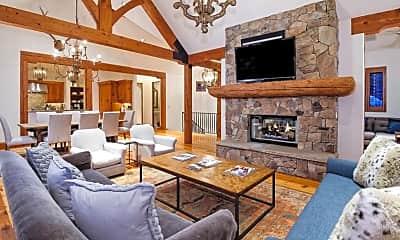 Living Room, 930 W Francis St, 0