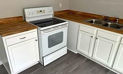 Kitchen, 826 Englewood Dr, 1