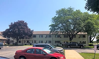 Tanglewood Apartments, 2