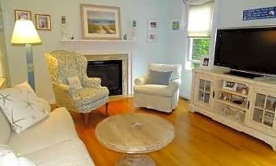 Living Room, 81 Victoria St, 1