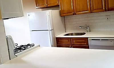Kitchen, 1666 Bell Blvd, 2