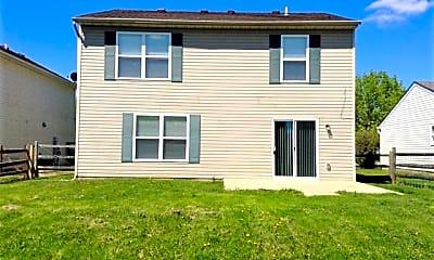 Building, 940 Foxcroft Place, 2