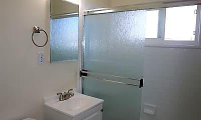 Bathroom, 49 E 40th Ave, 2