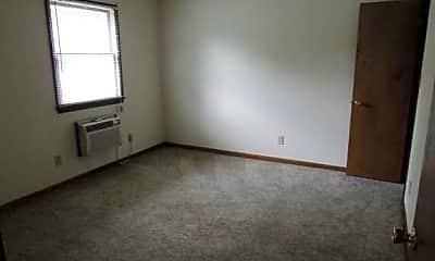 Lakewood Apartments, 2