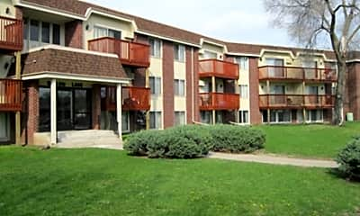 Building, Willow Lane Apartments, 1