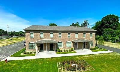 Building, 17440 W Eleven Mile Rd, 1