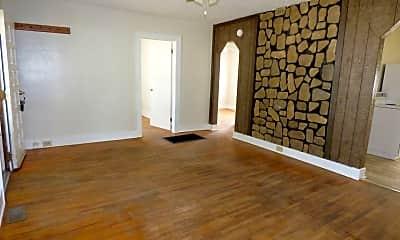 Living Room, 2111 S Waco Ave, 2