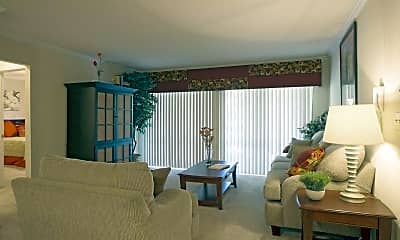 Living Room, The Columns at Akers Mill, 1