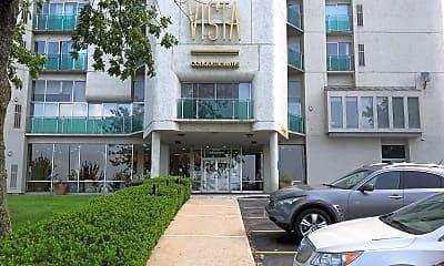 Vista Condominiums, 1