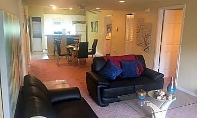 Living Room, 400 Putnam Dr, 1