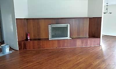 Living Room, 5819 Black Hawk Dr, 1