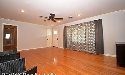 Living Room, 2102 Walnut Ave, 1