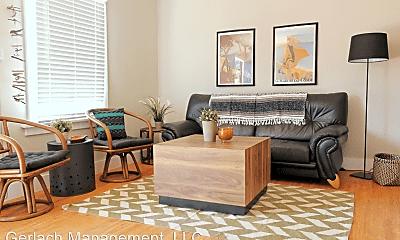 Living Room, 6739 N Figueroa St, 1