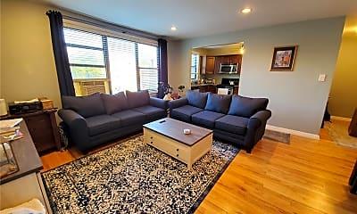 Living Room, 1 Jefferson Ave E7, 1