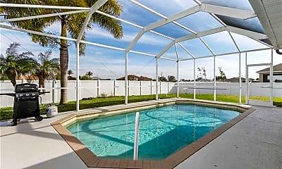 Pool, 1049 NW 38th Pl, 1
