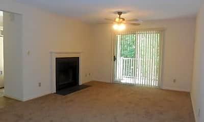 Living Room, 540 Pineland Cir, 1