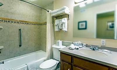 Bathroom, 724 Graves Ordinary, 2