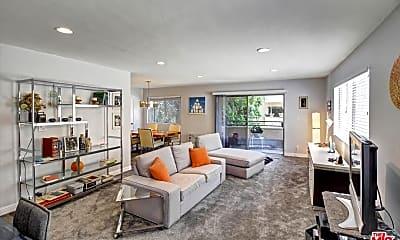 Living Room, 6712 Hillpark Dr 407, 1