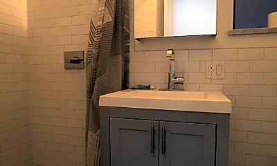 Bathroom, 151 Norfolk St, 2