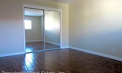 Living Room, 2121 Monroe St, 2