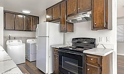 Kitchen, 1010 Drummond Ave, 1