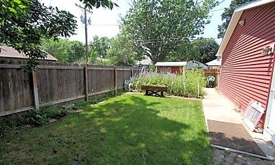 garden-side.JPG, 2506 N. Corona St., 2