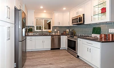 Kitchen, 2404 Via Mariposa W 1C, 1