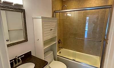Bathroom, 800 N Delaware St #314, 1