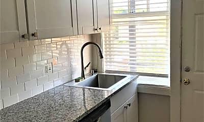 Kitchen, 6301 Delmar Blvd, 1