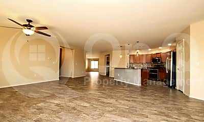 Living Room, 5061 W Willow Run Ln, 1