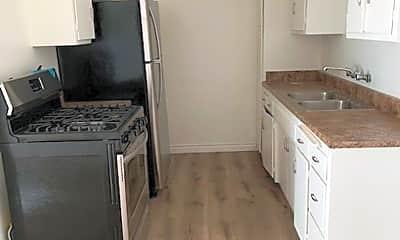Kitchen, 3662 Vinton Ave, 2