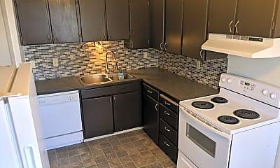 Kitchen, 702 S Oak St, 1