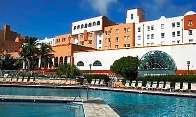 Pool, 101 N Ocean Dr 737, 0