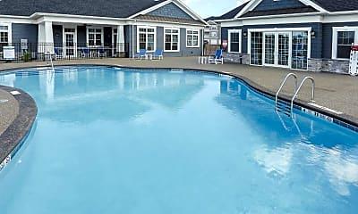 Pool, Heron Pointe, 1