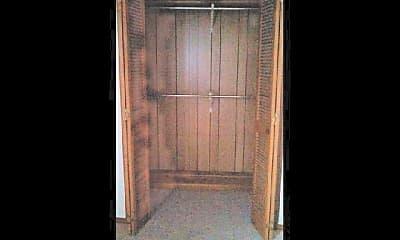 Bedroom, 205 Oak Lane, Apt B, 2