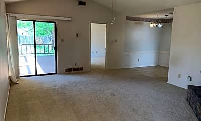 Living Room, 4076 Russell Ave, 0