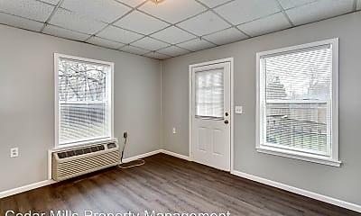 Living Room, 654 W North Ct, 1
