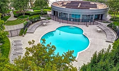 Pool, 950 W Peachtree St NW 1710, 2