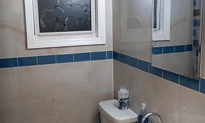 Bathroom, 85 Romaine Ave, 2
