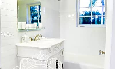 Bathroom, 133 NE 47th St, 2