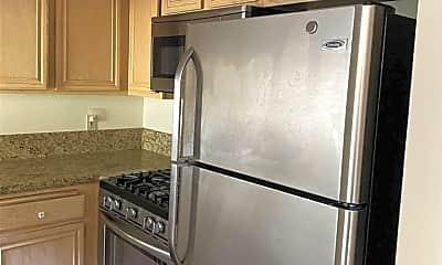 Kitchen, 1030 S Shenandoah St 7, 1