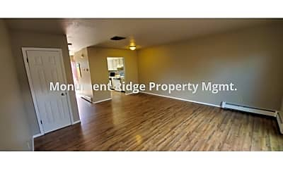 Living Room, 2414 Hill Ave, 1
