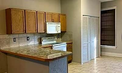 Kitchen, 918 S 10th St, 1