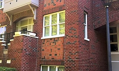 Building, 100 N Laurel Ave, 0