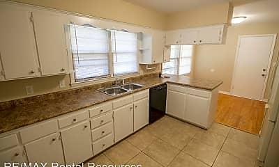 Kitchen, 2309 Highland Dr, 1