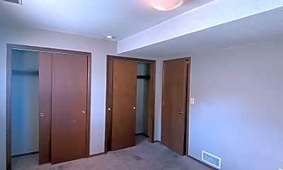 Bedroom, 4600 S Louise Ave, 2